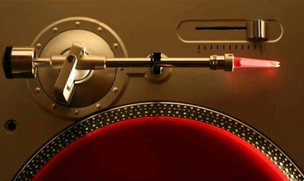 tonearm of turntable