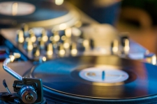 6 Best Portable Turntables 2020: Portable Record Player Review And Buying Guide