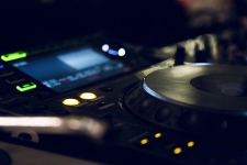 Best 1byone Turntables: Top Turntables From the Finest Brand